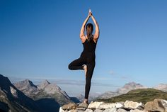 """A traditional ski resort in the Alps and Eastern spirituality – can the two go together? """"Most definitely,"""" says Anna Reschreiter who left behind a career in business consulting to teach yoga in Lech. Holiday Resort, Ways To Relax, Resort Spa, Alps, Namaste, Wellness, Yoga, Life, Yoga Tips"""