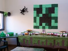 Decor at a Minecraft Party #minecraft #partydecor