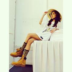 "Dara Shares a Sexy Photo Her – ""Blackjack Vietnam! Kpop Fashion, Korean Fashion, Girl Fashion, Airport Fashion, South Korean Girls, Korean Girl Groups, 2ne1 Dara, Sandara Park, Sporty Chic"
