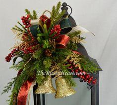 Linterna de Navidad gran botín con campanas por TheRustyHeart