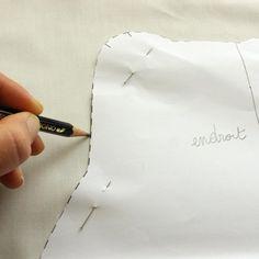 Comment faire un patron de couture soi-même ? Sewing Lessons, Sewing Hacks, Sewing Tutorials, Sewing Tips, Sewing Ideas, Diy Couture, Couture Sewing, Techniques Couture, Sewing Techniques