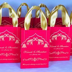 Party Gift Bags, Wedding Favor Bags, Wedding Favors For Guests, Wedding Boxes, Gifts For Wedding Party, Gold Wedding, Wedding Invitations, Indian Wedding Gifts, Destination Wedding Welcome Bag