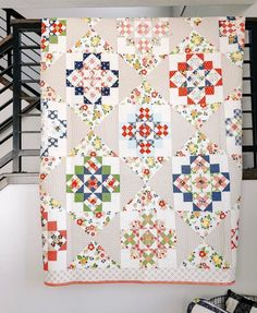 April Rosenthal has Orchard House in the house! Her latest collection Orchard is on it's way to shops, as is the pattern for this terrific… Star Quilts, Scrappy Quilts, Quilt Blocks, Quilting Projects, Quilting Designs, Quilting Ideas, Crazy Quilting, Hand Quilting, Sewing Projects