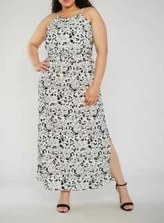 2294bc415b6 Plus Size Printed Maxi Dress with Metal Collar