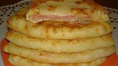 Slovak Recipes, Easy Homemade Recipes, Pitta, Kefir, Quick Easy Meals, Baking Recipes, Sausage, Food And Drink, Dishes