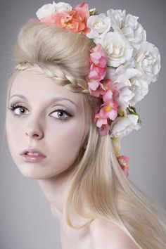 Google Image Result for http://www.hairstylestars.com/wp-content/uploads/2012/06/forehead-braid-flower-crown.jpg