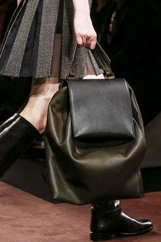 170 сумок Недели моды в Милане   Мода   Выбор VOGUE   VOGUE