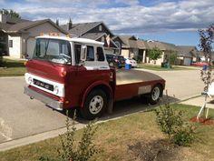 Suv Trucks, Truck Camper, Cool Trucks, Chevy Trucks, Cool Cars, Vintage Tractors, Vintage Trucks, Motorhome, Classic Trucks
