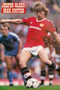 Football Photo JESPER OLSEN Man Utd 1986-87