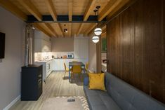 Galería – Apartamentos rurales La Santilar Conference Room, Table, Furniture, Home Decor, Shelters, Decoration Home, Room Decor, Meeting Rooms, Tables