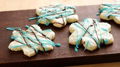 Get all the flavors and fun of peppermint bark without the hassle. Kids will love helping drizzle and devour these cute holiday cookies.
