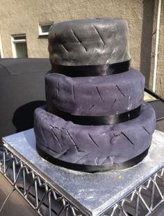 Tyre wedding cake. Funny wedding cake disasters #funny #wedding #cake #disaster #fail