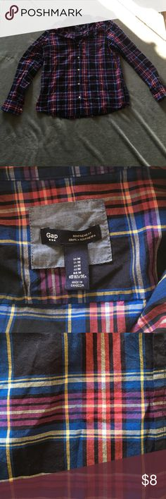 Gap boyfriend fit Great condition worn a couple times. No stains or tears GAP Tops Button Down Shirts