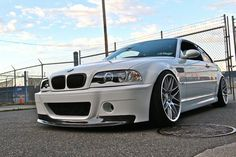 bmw white, lowered, and m3 wheels... perfect¡