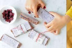 VÝPEČKY: VESMÍRNÉ SUŠENKY Crackers, Plastic Cutting Board, Snacks, Cookies, Blog, Tapas Food, Biscuits, Pretzels, Appetizers
