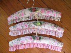 Вешалки плечики для одежды оптом – Оригинальные модели. Акции.