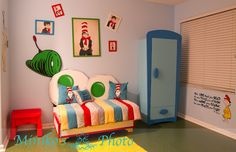 Dr. Seuss room with green eggs and ham bed...future child's rooom? possibly :)