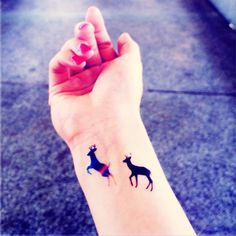 This set includes  4pcs Roe Deer temporary tattoo Black x 2pcs, Colored x 2pcs Size: approx. 3 x 2 cm each   Why not buy in bulk to save some shipping