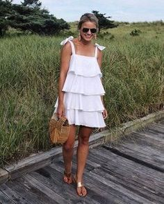 The Best 8 Tips On Clothes For Skinny Girls Are you having trouble figuring out what clothes fit better to a skinny girl like you? 8 tips will guide you through the best types of clothes. Summer Outfits, Cute Outfits, Summer Dresses, Casual Dresses, Short Dresses, Love Fashion, Fashion Outfits, Skinny Girls, Mode Style
