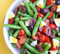 vegetarian: green beans with tomatoes, olives and eggs...
