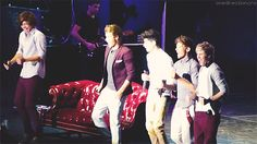 JUAN DIRECTION LIVES {GIF} omg Harry just kill me now you are perfect