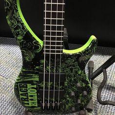 @bassmusicianmag #namm #namm2017 #traceelliot rad bass! #BassMusicianMag