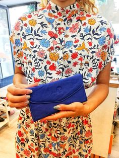 The perfect gift for a mother daughter friend wife sister. The perfect gift for a mother daughter friend wife sister. Black Leather Bags, Leather Purses, Leather Wallet, Handbag Stores, Best Wallet, Cheap Purses, Blue Purse, Wallets For Women Leather, Womens Purses
