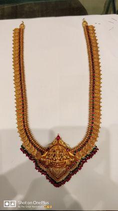 Gold Bridal Earrings, Jewellery Earrings, Temple Jewellery, Pendant Jewelry, Gold Chain Design, Gold Jewellery Design, Gold Jewelry, Gold Haram Designs, Gold Designs