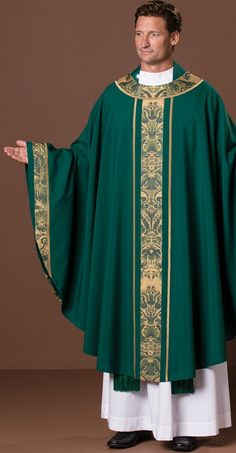 The Holy Rood Guild > Green > Clonmacnoise Chasuble: green liturgical vestment for priest or deacon Catholic Religious Education, Catholic Priest, Green And Gold, Blue Green, Church Outfits, Church Clothes, Damask, Christianity, Beauty