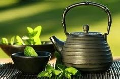 Herb Tea Garden: Discover easy herbs to grow and brew; tips for making herb teas & ideas for your herb tea garden. Home Remedies, Natural Remedies, Natural Treatments, Skin Treatments, Herbal Remedies, Asian Teapots, Health And Wellness, Health Tips, Health Fitness