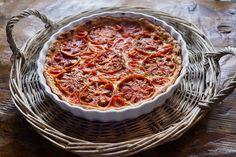 Hanna Sumarin tomaattipiirakka Quiche, Pizza, Breakfast, Ethnic Recipes, Food, Morning Coffee, Essen, Quiches, Meals
