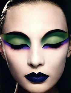 Mardi Gras makeup design! Would love to know the name of the artist and photographer responsible for this image. Gorgeous! (www.facebook.com/hotbeautymagazine)