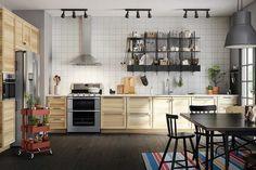 Si todo tiene su sitio en la cocina, reina el orden. Y eso te permite disfrutar más del tiempo, del espacio y, por supuesto, de la decoración. Toma nota: te damos las claves para tener cada cosa en...