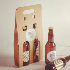 Original cardboard carrier for beer bottles with a handle to carry them easily. Easy assembly. Available in 3 sizes (for 1, 2 and 3 beer bottles). Just for 33 cl / 11.6oz. standard bottles. Shop now: http://selfpackaging.com/2269-cardboard-beer-bottle-carrier-2467.html // #homemade #brewing #beer #beerbottles