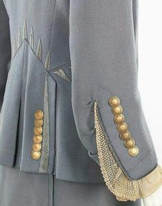 Sewing paterns added a new photo. Couture Details, Fashion Details, Fashion Design, Sleeve Designs, Blouse Designs, Sewing Paterns, Schneider, Mode Inspiration, Trench Coats