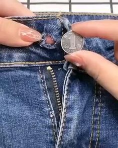 Sewing Hacks, Sewing Crafts, First Sewing Projects, Overhand Knot, Invisible Stitch, Everyday Hacks, Blind Stitch, Ladder Stitch, Hacks Videos