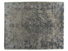 Handmade rectangular rug FIRUZABAD by Golran design Isabella Sodi
