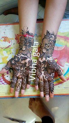 Ideas For Tattoo Hip Lotus Rose Mehndi Designs, Khafif Mehndi Design, Modern Mehndi Designs, Mehndi Design Pictures, Dulhan Mehndi Designs, Wedding Mehndi Designs, Mehndi Designs For Fingers, Beautiful Henna Designs, Latest Mehndi Designs