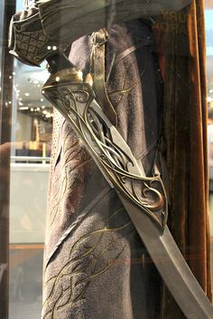 Elf Lieutenant costume  Actor: Various  Designer: Weta Workshop and Bob Buck  Made By: Armour and Weapons by Weta Workshop, Fabric Elements by 3 foot 7 Costume Dept.  —-  Post 9/21 from the Costume Trail...