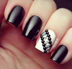 15 Ideas de Diseño de Uñas con Cristales - Manicure