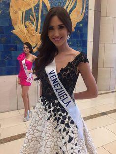 Edymar Martines Miss Venezuela, Posando para la Lente de la Prensa Internacional que cubre en Concurso Miss International 2015..