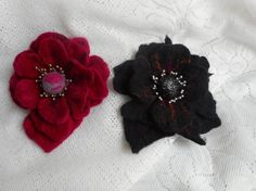 Felt brooch flowerBlack red felt flowers by FashionFeltProducts