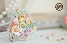 The beautiful Sweet Sentiments egg mini album by Maiko has the most stunning details #graphic45 #minialbum #easter: