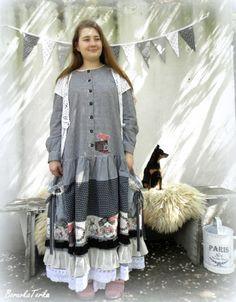 Bílé Chalupářské šaty v shabby stylu / od BorůvkaTerka | Fler.cz Stylus, Shabby, Paris, Style