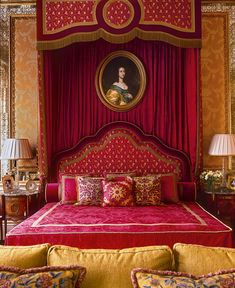 Interior Design Gallery of Interior Design Projects of Drawing rooms, Bedrooms and Halls Red Bedroom Design, Bedroom Red, Bedroom Decor, Colorful Bedding, Interior Design Gallery, Red Rooms, Luxurious Bedrooms, Beautiful Interiors, Architecture