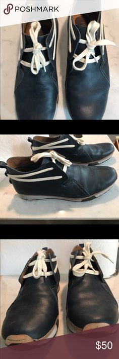 Carnaby Blue Leather Sneakers Carnaby Blue Leather Sneakers Shoes