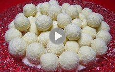 Raffaello homemade candy, you can not get enough of this kindness Good Food, Yummy Food, Delicious Recipes, Homemade Candies, No Bake Desserts, Truffles, Cupcake Cakes, Raspberry, Food And Drink