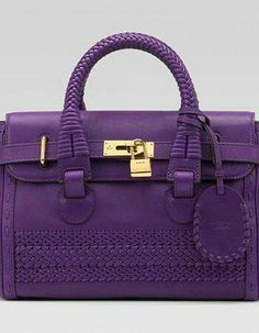 I love the color of this purse. However.. I would need it to be larger. If it was a handbag it would be perfect;)