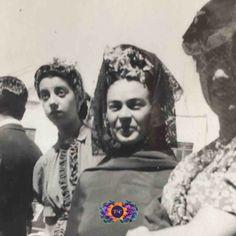 Diego Rivera, Frida Kahlo Cartoon, Good Luck Socks, Frida And Diego, My Fair Lady, Collars For Women, Fade Color, Cute Backpacks, Daft Punk