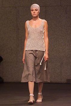 Veronique Branquinho Spring 2002 Ready-to-Wear Fashion Show - Sandy (MODEL'S…